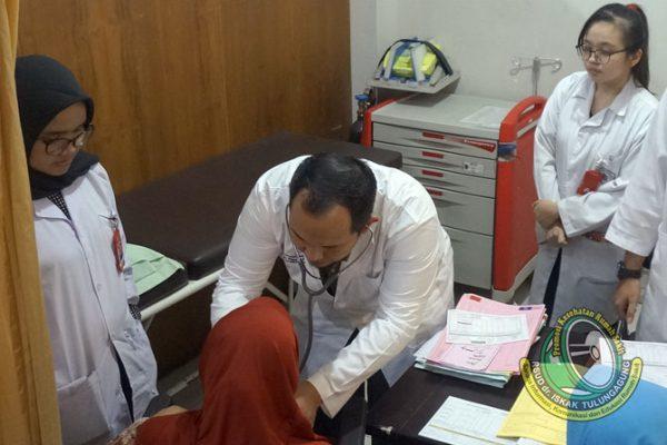 33 Tahun Perjalanan Poli Penyakit Dalam, Melayani Kesehatan Masyarakat