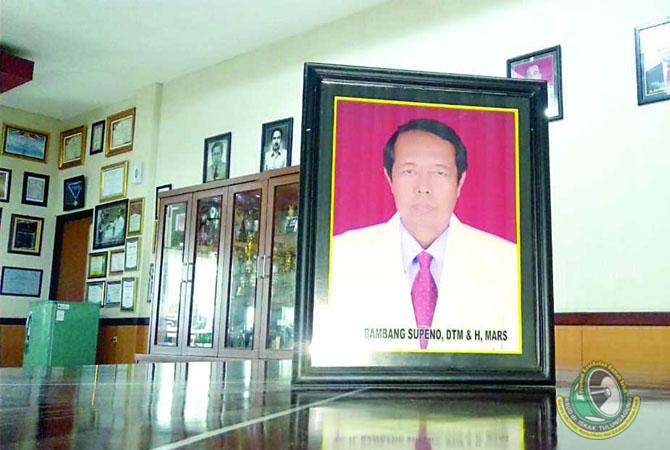 Kiprah dr. H. Bambang Soepeno, DTMH, MARS, di Eranya Nama dr. Iskak Diabadikan