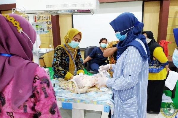 3 Ketrampilan Dasar ini Wajib Dikuasai Bidan-Perawat saat Hadapi Kedaruratan Medis Bayi Lahir