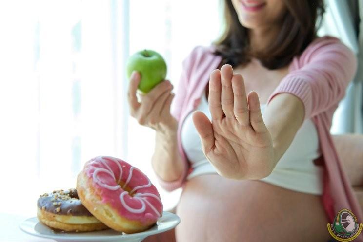 Diet Ibu Hamil. Mengapa dan Kapan Diet Ini Boleh Dilakukan?