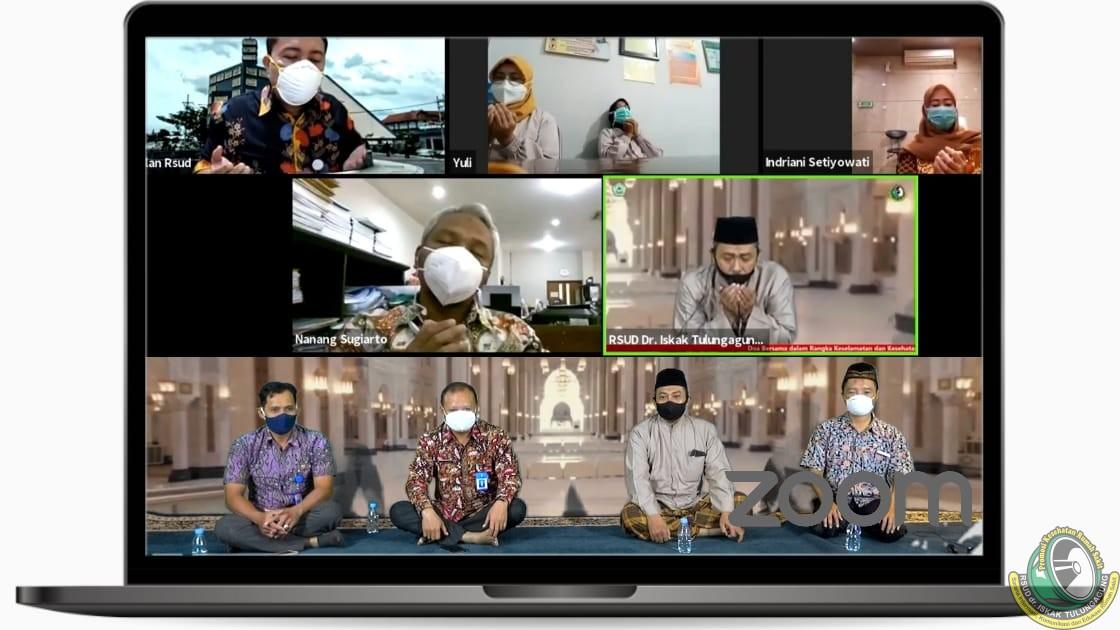 Mengharukan! Isak Tangis Warnai Istigotsah Kubro Virtual yang digelar PKRS RSUD dr. Iskak