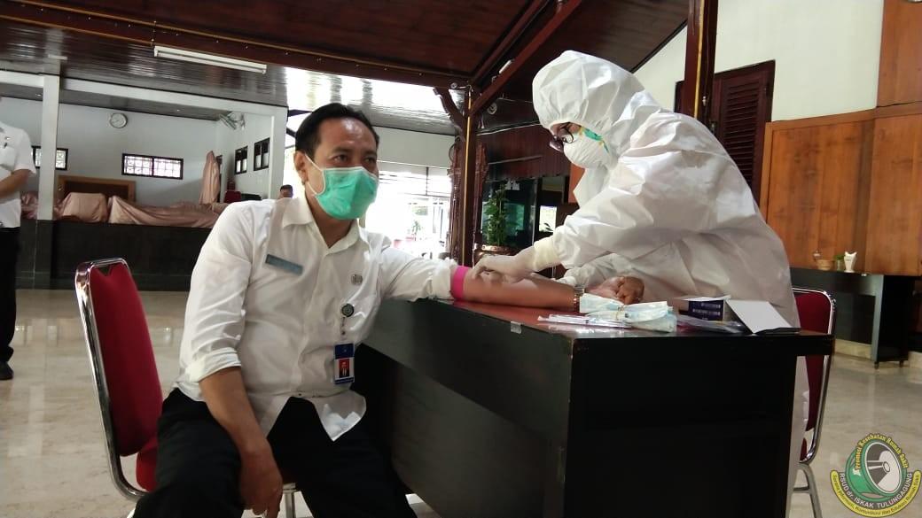 """Jelang Vaksinasi Perdana, 20 Tokoh dan Pejabat Publik di Tulungagung Jalani """"Screening"""" Kesehatan"""