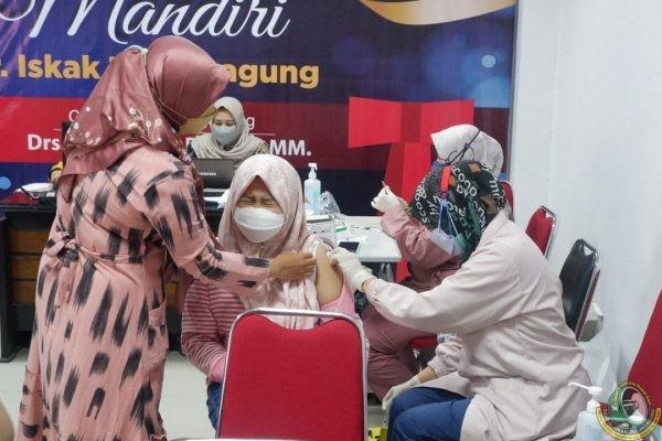 Demi Lindungi Keluarga Nakes, RSUD dr. Iskak Vaksinasi 280 Anak SDM Kesehatan